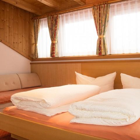 Zimmer1-01