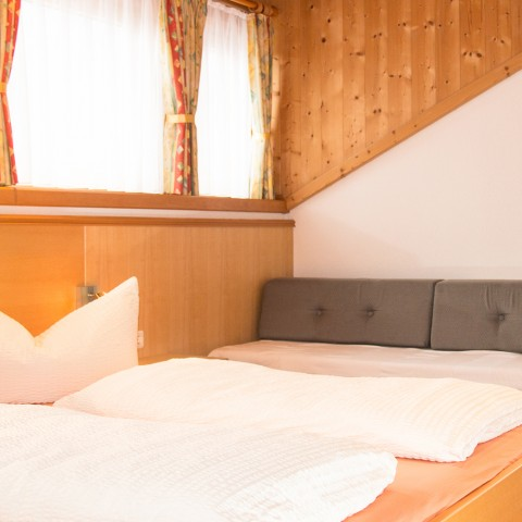 Zimmer2-03
